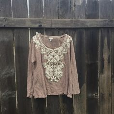 {Anthropologie Sweater} Stunning!!! Love this top. In good condition. fits true to size. Brand is Meadow Rue. Anthropologie Sweaters