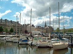 Le port de Caen - by rhizomes