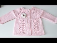 Openwork Twisted (Hairy) Great Cardigan Model - If you want to knit a great booties by taking only 10 minutes, the detailed preparation of the supe - Baby Knitting Patterns, Knitting Designs, Baby Patterns, Cardigan Bebe, Baby Cardigan, Crochet Hammock, Baby Girl Sweaters, Crochet Baby Shoes, Crochet Art
