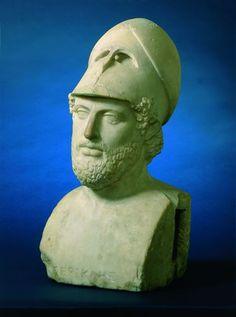 Périclès portant un casque de guerre, stratège et homme d'État athénien. Buste en marbre. Buddha, Sculpture, Statue, Image, Art, Civilization, Hockey Helmet, Marble, War