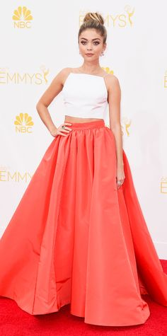 Sarah Hyland at the Emmy Awards 2014 Red Carpet - This color looks really familiar <3