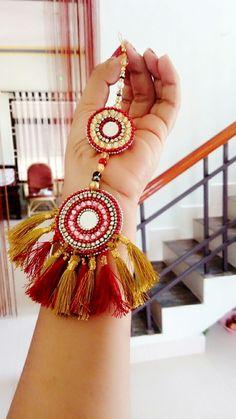 Silk thread tass Silk Thread Bangles, Thread Jewellery, Tassel Jewelry, Fabric Jewelry, Textiles, Handmade Rakhi Designs, Saree Tassels Designs, Passementerie, Hand Embroidery Designs