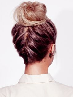 saw one of the other teachers with shortish hair do hers like this. i need to figure out how! cuz i am having a hard time getting all my hair up in a bun with all the short layers. (one braid short hair) Braided Hairstyles For Wedding, Summer Hairstyles, Up Hairstyles, Pretty Hairstyles, French Plait Hairstyles, French Plaits, Wedding Hair In A Bun, French Braid To Bun, Braided Updo
