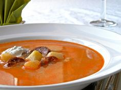 Potato soup with sausage and sour cream - Culinary Hungary Cooking Red Lentils, Cooking Eggplant, Cooking Panda, Cooking Bacon, How To Cook Lobster, How To Cook Shrimp, Cooking Beef Tenderloin, Sausage Potato Soup, How To Cook Artichoke