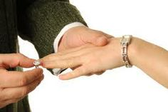 #Girl Gets Ring Review - How to Get Him To Say I Do  http://www.datingonlinesecrets.org