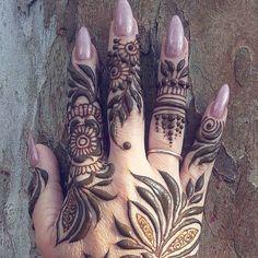 Stained - henna artist in Tampa Florida for bridal mehndi , henna tattoo , and henna design ebooks for the henna community. Mehendi, Henna Mehndi, Arabic Henna, Wedding Henna, Bridal Henna, Shoulder Henna, Ma Tattoo, Mhendi Design, Mehndi Style
