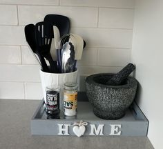 Use a tray to coral the kitchen essentials you're always reaching for Classic Kitchen, Gadgets, Kitchen Organisation, Layout, Hacks, Mortar And Pestle, Kitchen Essentials, Storage Cabinets, Creative Home
