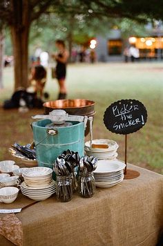 tablescape Echoes of Laughter: 40 Amazing Family Reunion Ideas