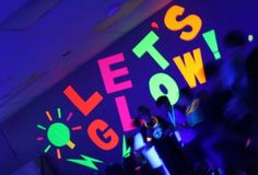 "Possible ideas for Sweet 16 ""Neon"" themed party Glow In Dark Party, Glow Stick Party, Glow Sticks, Black Light Party Ideas, Neon Birthday, 13th Birthday Parties, 10th Birthday, Birthday Ideas, Neon Party Decorations"