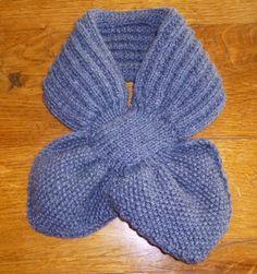petits doigts tricot d'enfant | je m'éclate avec mes 10 doigts: Une écharpe pratique pour les petits Knitting Patterns Free, Knit Patterns, Free Pattern, Finger Knitting, Knitting Videos, Knitted Shawls, Knit Crochet, Barn, Couture