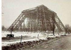 La #TourEiffel oui...mais en février 1888... #Paris #histoire #tourisme…