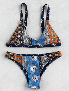Set bikini en triángulo con estampado -Spanish SheIn(Sheinside)