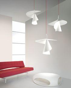 Lampi suspendate pentru interior, din aluminiu vopsit alb. www.lucedomotica.ro