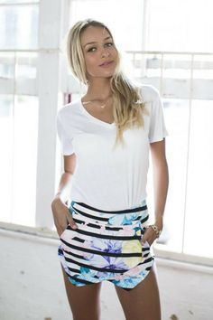 SKIRT: http://www.glamzelle.com/collections/whats-glam-new-arrivals/products/chic-flowers-of-paradise-skort-shorts