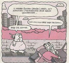 - O araba önden çekişli değil mi? Arkadan iteceğinize öne geçip çeksenize...  + Hay aklınla beş yaşa delikanlı...  - Beş de azmış...  #karikatür #mizah #matrak #komik #espri #şaka #gırgır #komiksözler #hunili