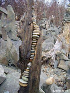 Rock Sculpture, Driftwood Sculpture, Driftwood Art, Sculpture Ideas, Art Sculptures, Garden Sculpture, Art Et Nature, Nature Crafts, Land Art