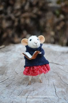 Little Coquet Mouse-  Needle Felted Ornament - Felting Dreams by Johana Molina -