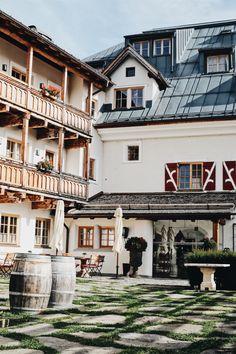 Auf den Spuren von Coco Chanel im Schloss Mittersill - Misses Popisses Coco Chanel, Mansions, House Styles, Travel, Home Decor, Mansion Houses, Homemade Home Decor, Trips, Villas