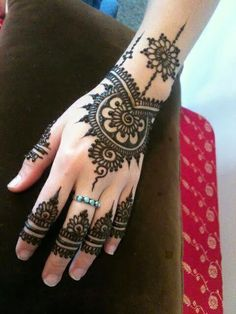 Beautiful Simple Mehndi Designs