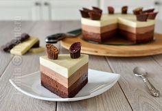 Tort Trio De Ciocolata - Cc eng sub - Jamilacuisine Köstliche Desserts, Sweets Recipes, Baking Recipes, Delicious Desserts, Cake Recipes, Triple Chocolate Mousse Cake, Chocolate Cake, Just Cakes, Sweet Tarts