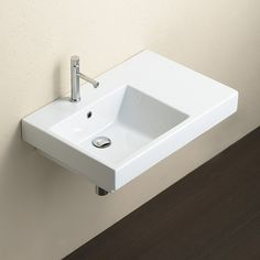 The Domino 75 Left Washbasin by Italian design-house Catalano represents an evolution in design and application. The asymmetric basin exudes versatility, offering wall hung, in-bench or recessed installation options.