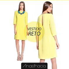 O Vestido Reto é perfeito para mulheres que gostam de peças elaboradas e irreverentes.