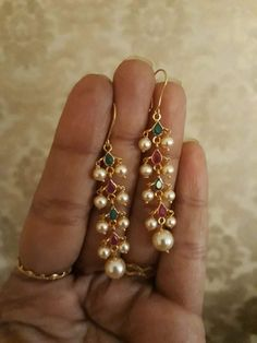 Pearl Necklace Designs, Gold Pearl Necklace, Jewelry Design Earrings, Gold Earrings Designs, Ear Jewelry, Bridal Jewelry, Gold Bangles Design, Gold Jewellery Design, Gold Jewelry Simple