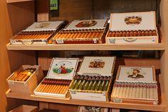 En nuestra tienda encontrarás productos finos para disfrutar cuantas veces gustes. #cigar #habano #tabaco #puros #showroom #sayulita #mexico #nayarit #LaVegaMX