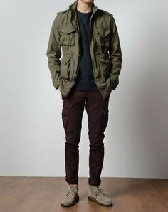 Green Field Jacket, Black Tee and Jeans, and Taupe Desert Boots.Olive Green Field Jacket, Black Tee and Jeans, and Taupe Desert Boots. Rugged Style, Style Men, Men's Style, Cool Jackets For Men, Style Brut, Mens Fall, Mode Masculine, Fashion Essentials, Autumn Winter Fashion