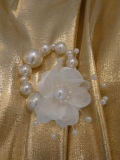 Pearl and Flower Napkin Rings by MariaECollection on Etsy