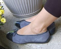 Ara ballet flats don't cut across the bunion area! NICE!