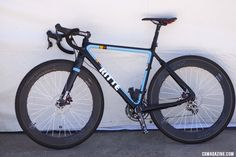 Ritte's new carbon cyclocross prototype equipped with TRP's HyWire hydraulic brake and Di2 levers.