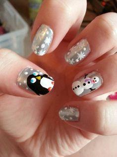 cute-christmas-nail-art.jpg 400×534 pixels