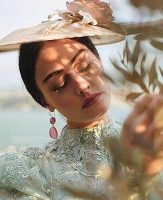 Turkish Women Beautiful, Beautiful Arabic Words, Turkish Beauty, Foreign Celebrities, Best Profile Pictures, Esra Bilgic, Glam Slam, Attack On Titan Levi, Picture Logo