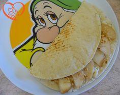 Piada con pere,gorgonzola e nocciole http://www.cuocaperpassione.it/ricetta/5d2f1f4c-9f72-6375-b10c-ff0000780917/Piada_con_peregorgonzola_e_nocciole