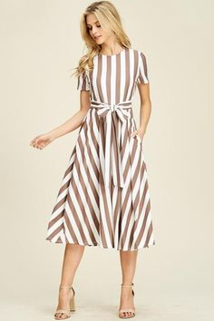 Made by RebornJ, UnLabeled Approved! This flare midi dress features a vertical stripe design which . Source by royaldaughters dresses ideas Modest Dresses, Casual Dresses, Summer Dresses, Midi Dresses, Modest Fashion, Fashion Dresses, 50 Fashion, Striped Midi Dress, Vertical Striped Dress