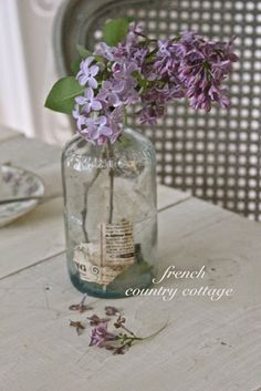 FRENCH COUNTRY COTTAGE: A Simple Bouquet