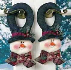 look what i found on zulily flower snowmen couple figurine by ziabella zulilyfinds - PIPicStats Crochet Christmas Gifts, Felt Christmas Decorations, Christmas Snowman, Christmas Themes, Handmade Christmas, Christmas Diy, Christmas Ornaments, Snowman Door, Crochet Gifts