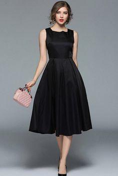 Compre Vestido Evase Midi Preto Audrey Hepburn | UFashionShop