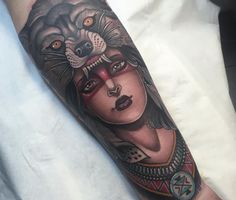 36 inspirational examples of tattoo art Top Tattoos, Body Art Tattoos, I Tattoo, Tatoos, Garden Tattoos, Native Girls, American Indian Tattoos, London Tattoo, Black Garden