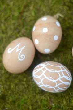 Easter Eggs:  Dye with Tea & Decorate with a Paint Pen