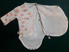 Overslagrompertje - maat 52 - gratis patroon :) Preemies, Sewing For Kids, Chef Jackets, Fashion, Craft, Dressmaking, Needlepoint, Bebe, Sewing