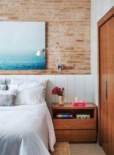 O mix dos dois materiais garantiu ao loft carioca o aconchego com o qual a moradora sonhava.