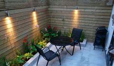 Jardineras en el perímetro de la pared Small Space Gardening, Small Garden Design, Garden Spaces, Patio Design, Fence Design, Design Design, Design Ideas, Patio Chico, Small Courtyards