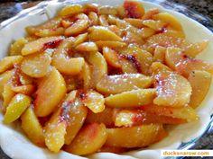 Delicious homemade peach pie with frozen peaches #baking #desserts