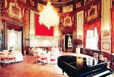 Grand salon, Palais Kinsky Woman, Women