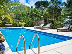 illa Eden is one of the most luxurious, private oceanfront villas in Cozumel. A magnificent 5 bedroom home located right at the oceanfront, in a beautiful and very private setting surrounded by a lush garden with a 40 foot freshwater pool looking at the Caribbean Sea.