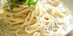 Recept: romige knoflookgarnalen met spaghetti | FavorFlav Pasta Noodles, Scampi, I Love Food, Spaghetti, Risotto, Vegetarian Recipes, Fish, Ethnic Recipes, Yakisoba