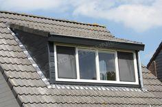Dakkapel Friesland | BM Daktechniek Deze dakkapel is voorzien van een schuine kap. Dakkapel volledig afgewerkt met Keralit rabatdelen en voorzien van een ingebouwde zinken dakgoot en regenpijp.