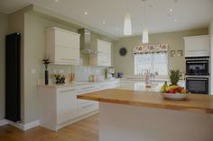 Contemporary ivory gloss door kitchen 2